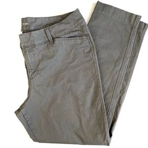 Old Navy Grey Pixie Capris